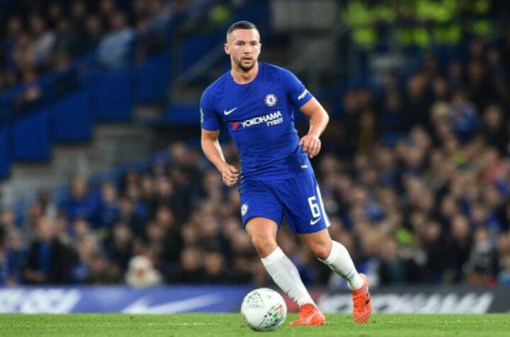 Drinkwater handling the ball in midfield for Chelsea against Newcastle