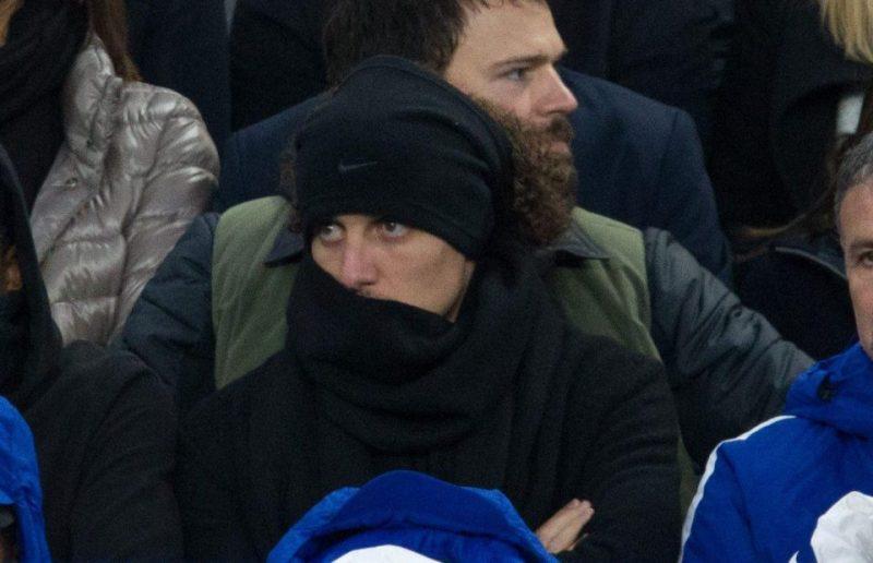 Luiz relegated to Chelsea's bench