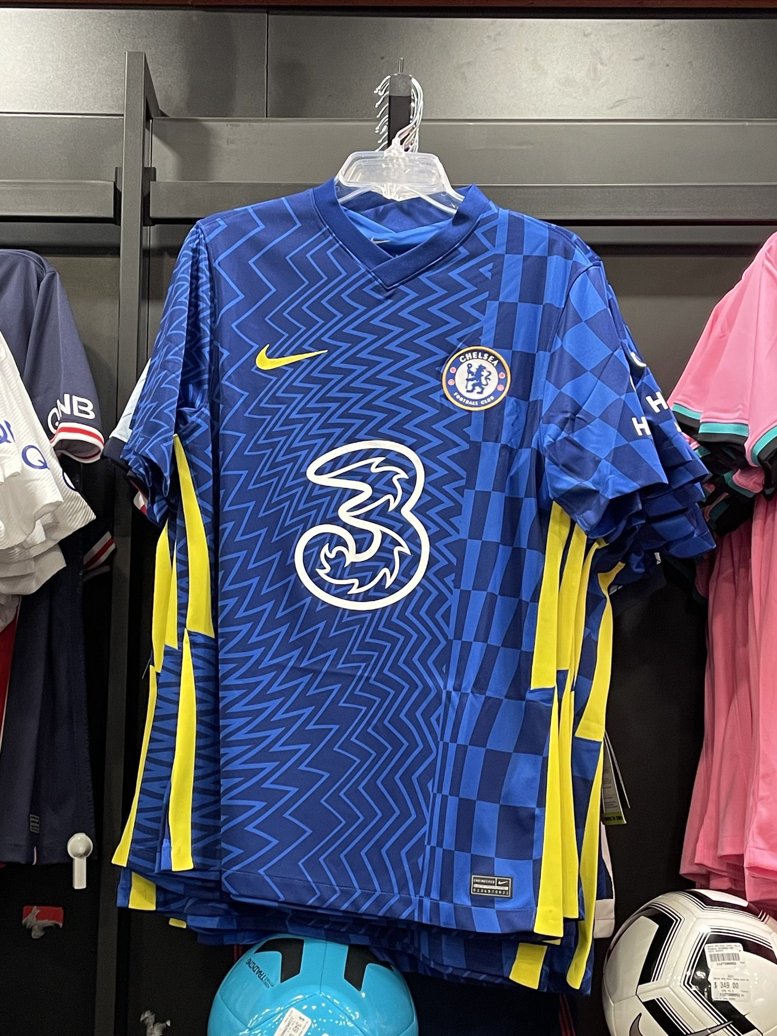 New Nike Chelsea 2017-18 third kit officially unveiled